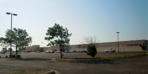 This picture was taken the morning that the Monticello Kmart was closed.