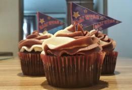Chocolate/Vanilla Cupcakes