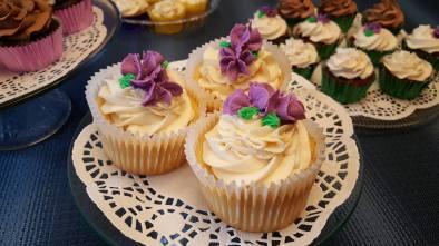Lemon Cupcakes with lemon and vanilla buttercream