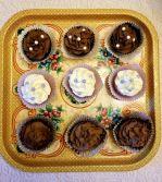 Dark Chocolate Mint and vanilla cupcakes