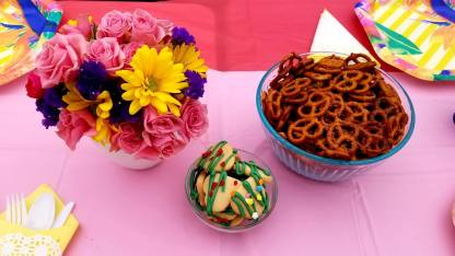 Sugar cookies and spiced pretzels
